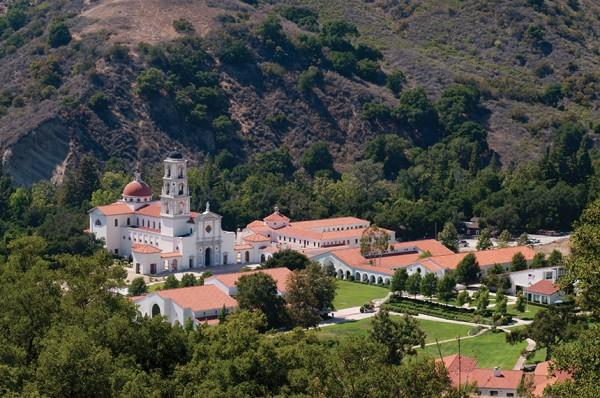 Our Lady of the Most Holy Trinity Chapel in the context of the St. Thomas Aquinas College campus. Photo: © schafphoto.com