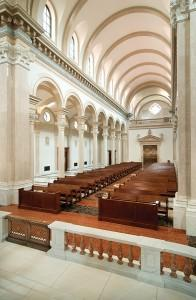 Overview of the nave from the pulpit. Photo: © schafphoto.com