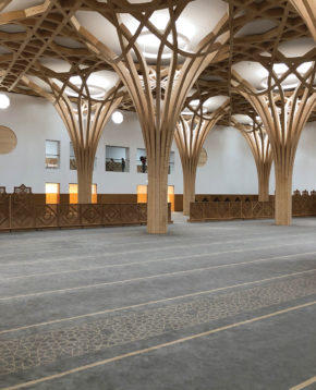 Prayer hall with moveable partitiions